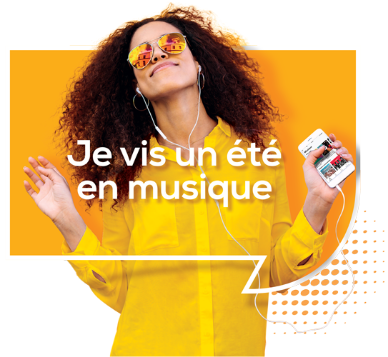 Femme écoutant de la musique avec Deezer Premium